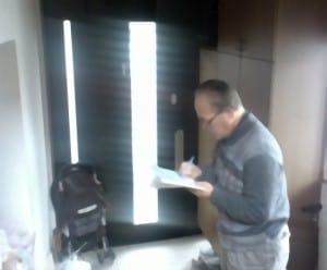 任意売却の現地調査。建築時の図面がない場合は間取り図も作成します。