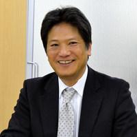 藤本律夫氏