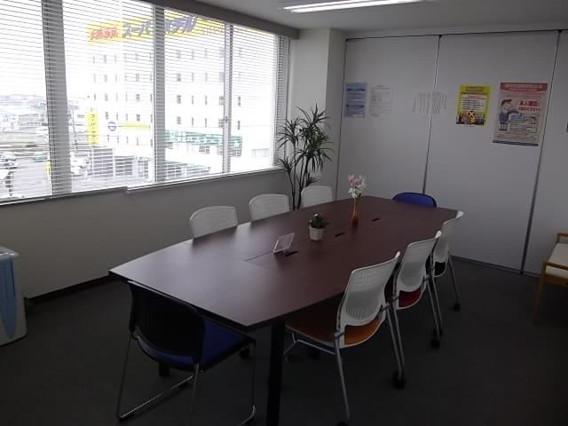 プライバシーに配慮した、個室の相談室です。
